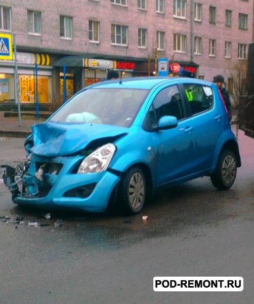 Продам а/м Suzuki Splash битый